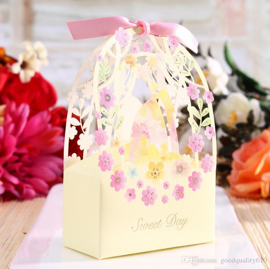 Hollow Bride Groom Flower Candy Box cioccolatini scatole con nastro la festa nuziale Baby Shower regalo di favore