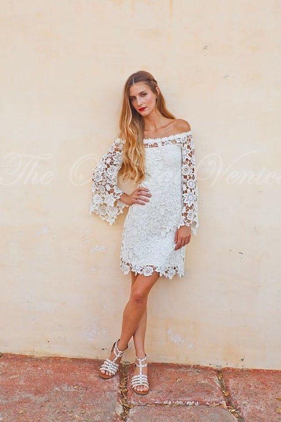 Bell mangas de encaje de ganchillo Boho Hippie vestido de novia fuera del hombro Vintage inspirado estilo años 70 recepción corta vestidos de novia 2017