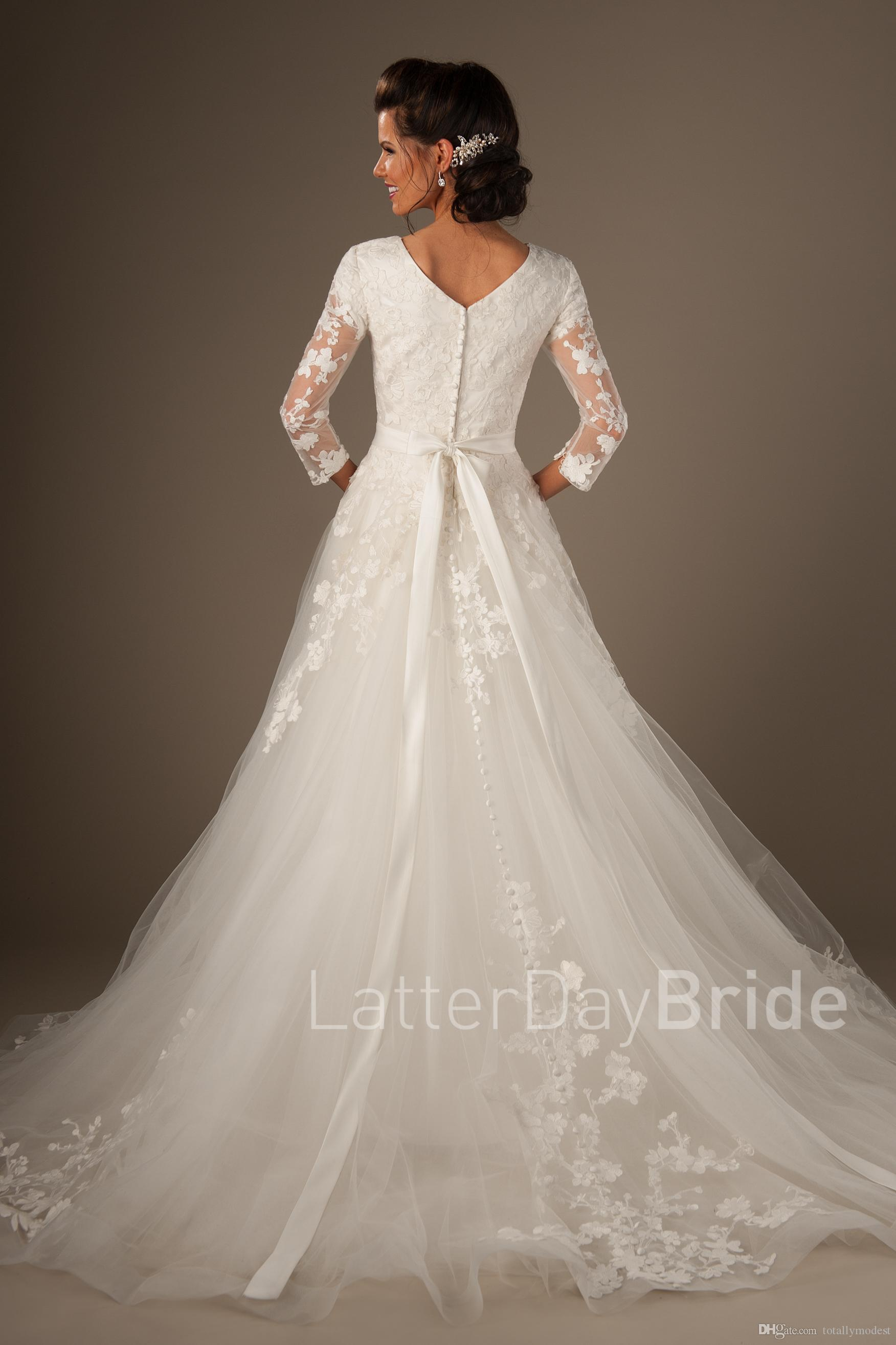 Country Modest Wedding Dresses 3/4 Sleeves Sweetheart Neck Buttons Back Sashes Western Bridal Gowns Custom Made Couture Custom Made