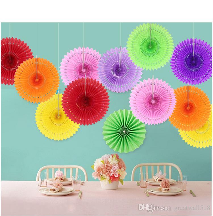 Pas cher évider ventilateur de pliage de papier pour les fans de papier de soie de mariage fleurs anniversaire fête étape décoration 3 taille en gros KS001