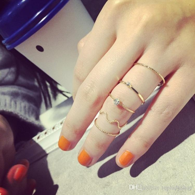 5 UNIDS / SET onda de La Joyería de moda simple hilo de cinco piezas con un anillo de dedo de cristal anillo de dedo de diamante anillo de nudillo de dedo