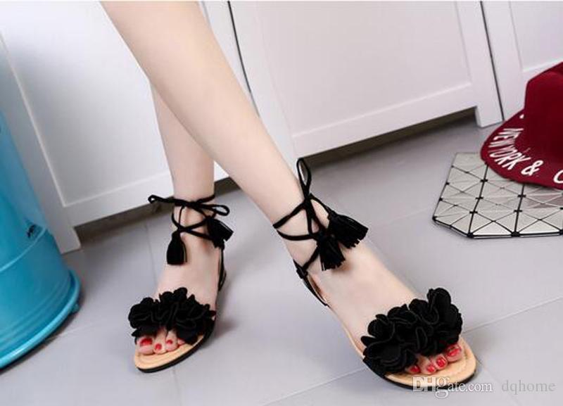 Nuevas sandalias con borla para mujer Zapatillas de verano planas de verano para mujer Zapatillas negras rojas verdes para mujer