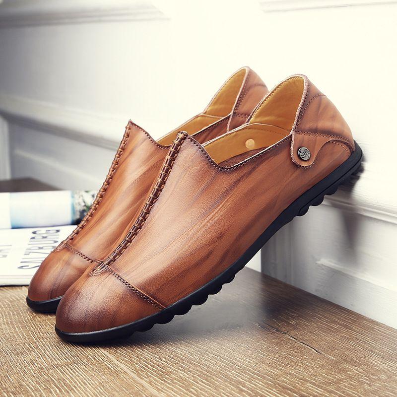 9d2bcce6714 Compre Slip On Mocasines Hechos A Mano De Cuero Genuino De Los Hombres  Zapatos Casuales De Lujo Marca Hombres Pisos Zapatos De Conducción Mocasines  Ligeros ...