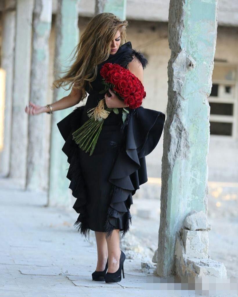 2019 Robes de soirée à plumes encolure haute sur l'épaule Ruffles Noir Peplum Thé Longueur Formelle Arabe Robes De Soirée De Bal Sur Mesure