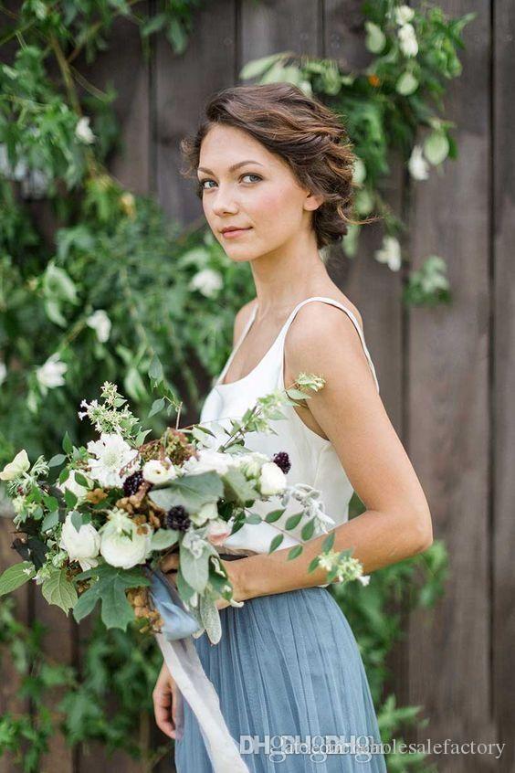 Försäljning Country Style Spaghetti Straps Bridesmaid Dresses Billiga Ljus Blå Scoop Long Tulle Bridesmaid Gowns Online 2017 Hot Sale