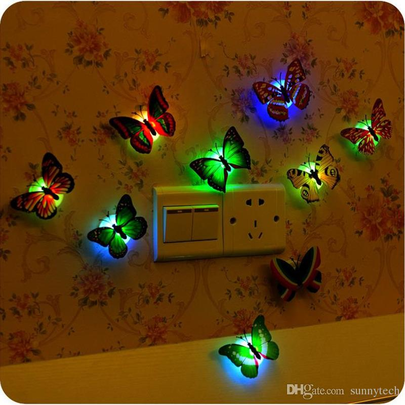 3D LED Parlayan Kelebek Duvar Sticker Çıkartmaları Çocuk Odası Oturma Odası Ev Dekor Çıkartmalar Ev Dekorasyon Hediyeler Kutusu Ile F2017741