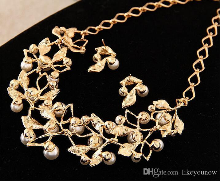 The European and American fashion sweet temperament joker pearl diamond earrings set chain necklace bride suits