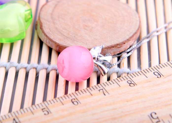 Nuova versione coreana della catena della clavicola di alta moda in lega di gioielli di alta moda carino piccola collana pendente in pietra occhio di gatto di mela