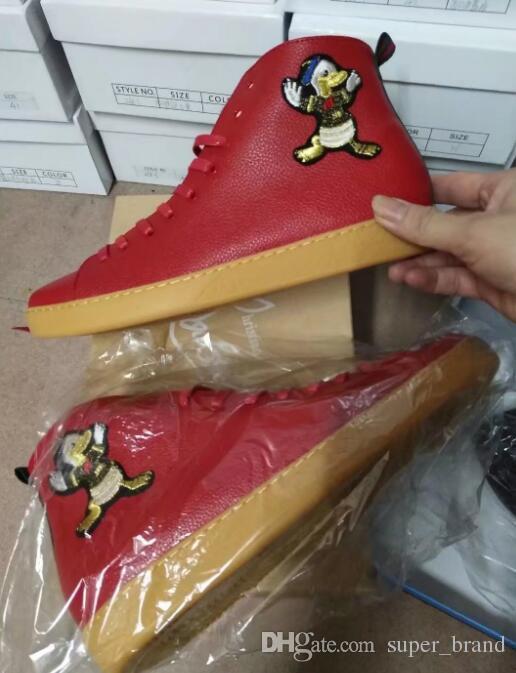 2017 haut haut hommes chaussures lace up solide rouge noir appartements talon mode sneaker casuals bout rond en cuir pour hommes casuals mocassins printemps automne