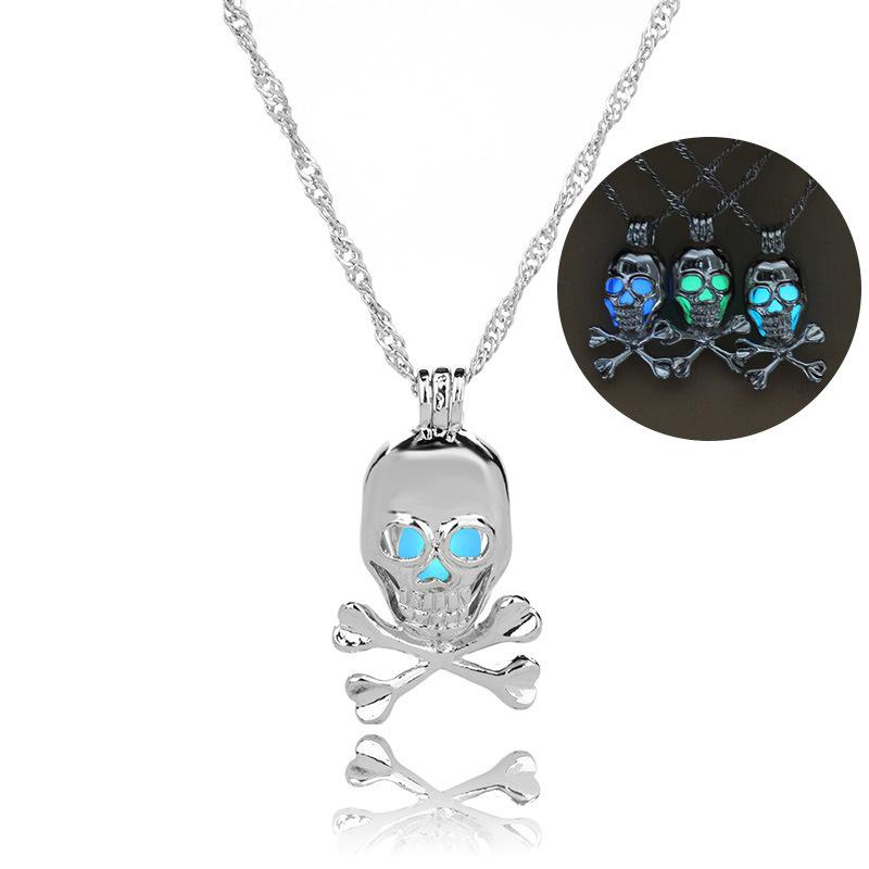 Halloween hot style skull necklace with clavicular collarbone head can open a pendant necklace