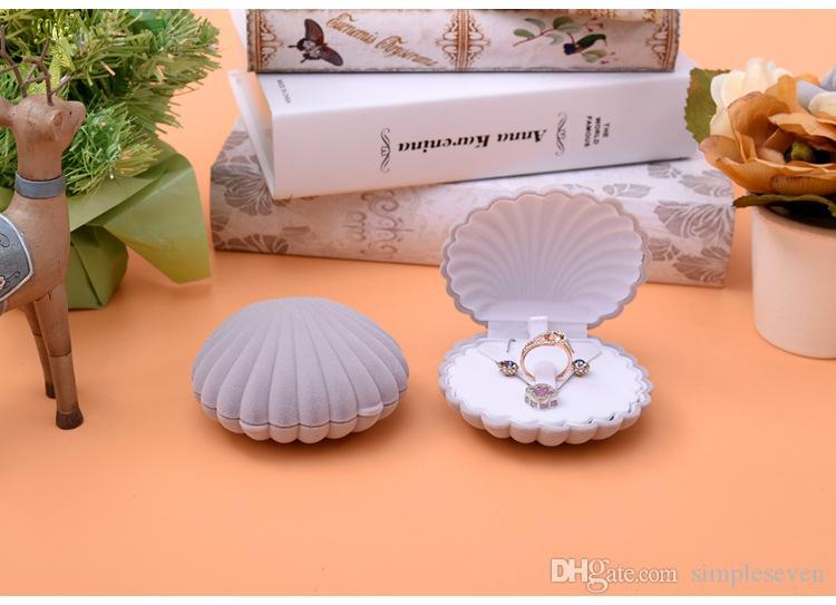 [Simple Seven] Mignon Grand Coquillage Mer Anneau Boîte Bracelet Affichage Ensemble de Bijoux Boîte Boucle D'oreille Stud Velvet Case Collier Affichage De Mariage