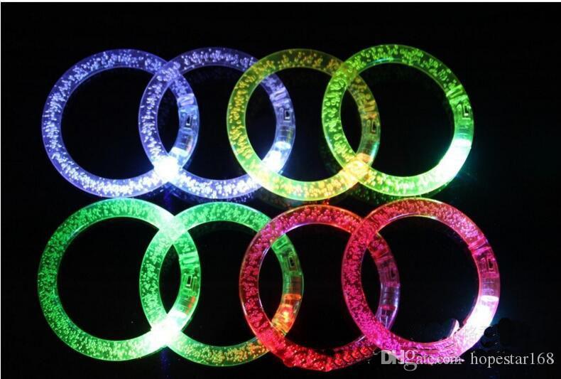 Flash LED Parpadeante Brillo Cambio de color Luz Acrílico Niños Juguetes Lámpara Anillo de mano luminosa Fiesta Club de fluorescencia Pulsera Brazalete de Navidad