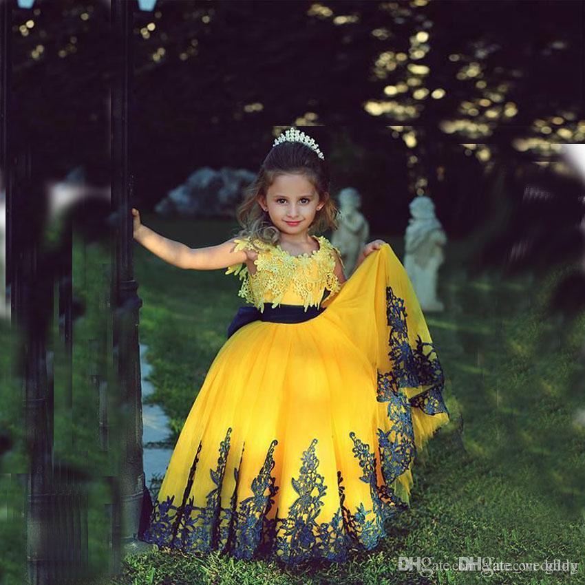 Crema barata Mangas de encaje Vestidos de niña de flores Encaje de tul Encima de tul vintage Vestidos de cumpleaños para niñas pequeñas