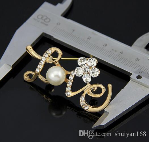 ЛЮБОВЬ Форма Pins Wedding Брошь розовое золото Pearl Rhinestone Кристалл цветок невесты Брошь Pin Заявление ювелирные изделия Рождественский подарок
