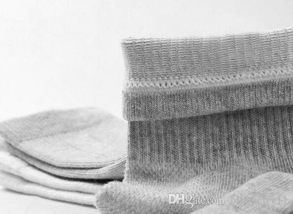 Chaude Hommes Athlétique Chaussettes Sport Basketball Longues Coton Chaussettes Mâle Printemps Été Courir Cool Soild Mesh Socks Pour Tous Taille livraison gratuite