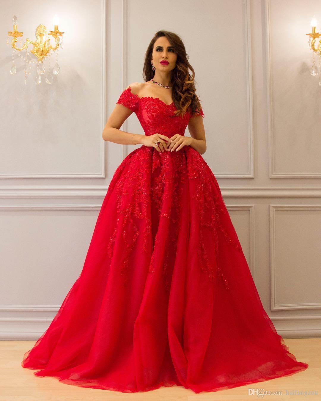 Großhandel 16 Rotes Ballkleid Spitze Abendkleider Applikationen Perlen  Schulterfrei Ausschnitt Abendkleid Bodenlangen Rüschen Formale Abendkleider