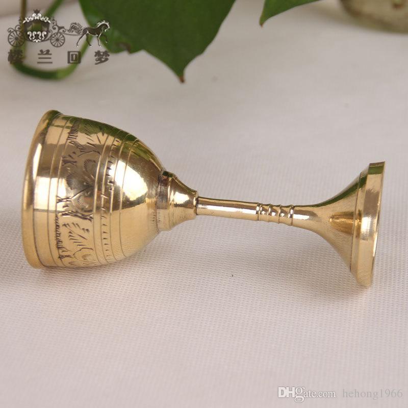 Manual Sculpture Copper Wine Calice Cup Golden Red Wine Tazze Classiche Antique Artigianato Pokal Liquor Cups stile europeo 32my B
