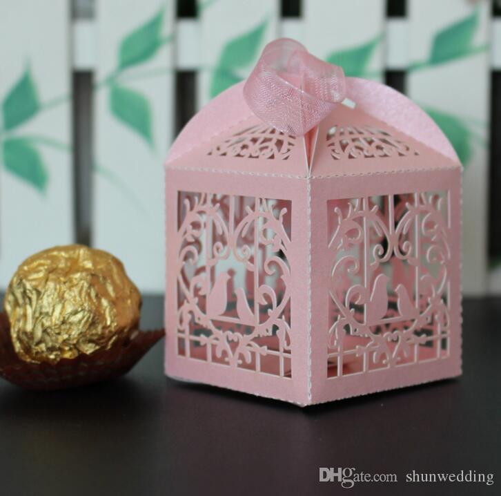 Hollow stile uccello bomboniera scatole regalo con nastri rosa viola rosso bianco