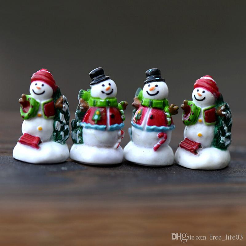 2018 miniature christmas snowman garden craft christmas decorations dollhouse home decor christmas ornaments send random from free_life03 043 dhgate - Miniature Christmas Decorations