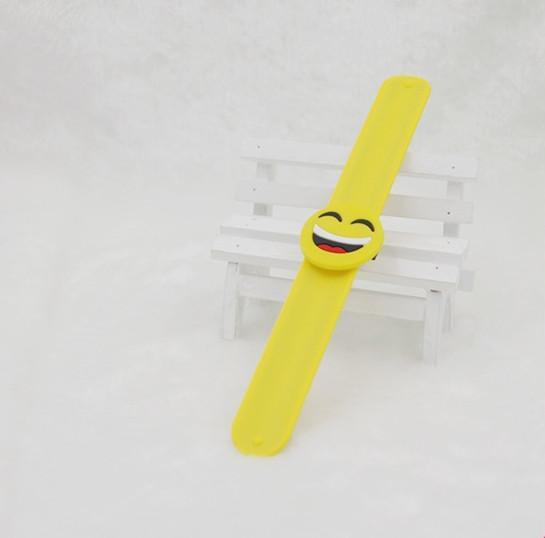 Emoji Tokat Bilezik çocuklar sevimli Silikon Tokat Bileklik oyuncaklar mix stilleri 25 * 2 cm