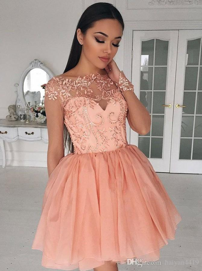 2018 Sexy Women Cocktail Dresses Sheer Jewel Neck Long Sleeves Peach Lace Applique Sequins Zipper Back Prom Party Plus Size Homecoming Gowns