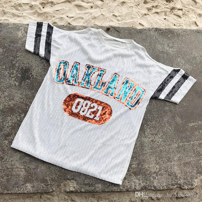 Neue Heiße Verkauf Casual Nachtclub Weibliche Sommer Pailletten Buchstaben Lose Trägerlose Kurzarm T-shirt Mädchen Sexy Tops für Bh Hohe Qualität