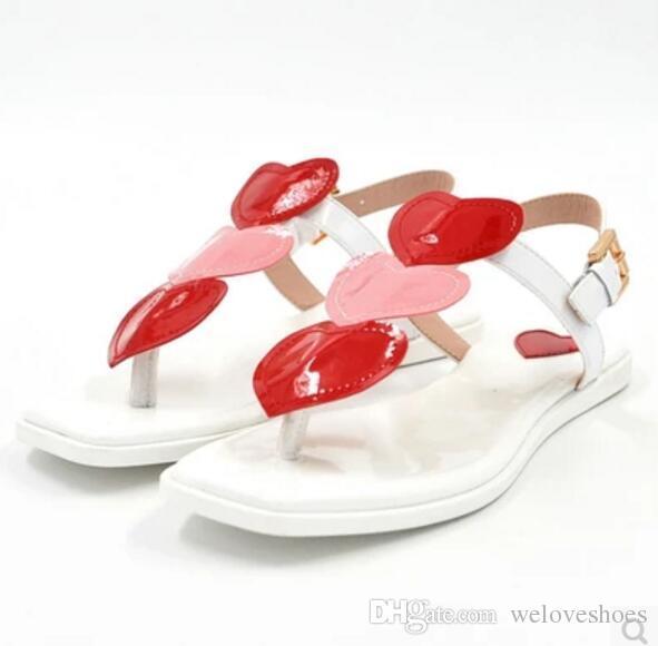 2017 donne sandali svegli dei sandali estivi pattini piani del tallone del partito signore punta aperta scarpe delle signore della celebrità di cuore dolce cinturino alla caviglia Beach Flats