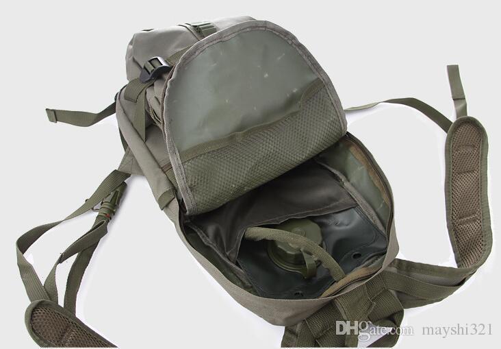 Molle Taktik Saldırı Su Torbası Sırt Çantası Naylon Kamuflaj Tırmanma Seyahat Bisiklet Nemlendirici Paketi 2.5L Su Mesane Kamuflaj Omuz Çantası