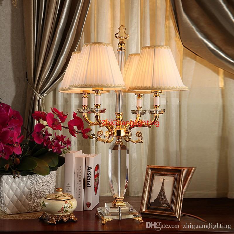 Lampada da tavolo in stile europeo salotto grande divano tavolo da caffè villa lampada della stanza modello lampada da tavolo in cristallo di ingegneria di lusso