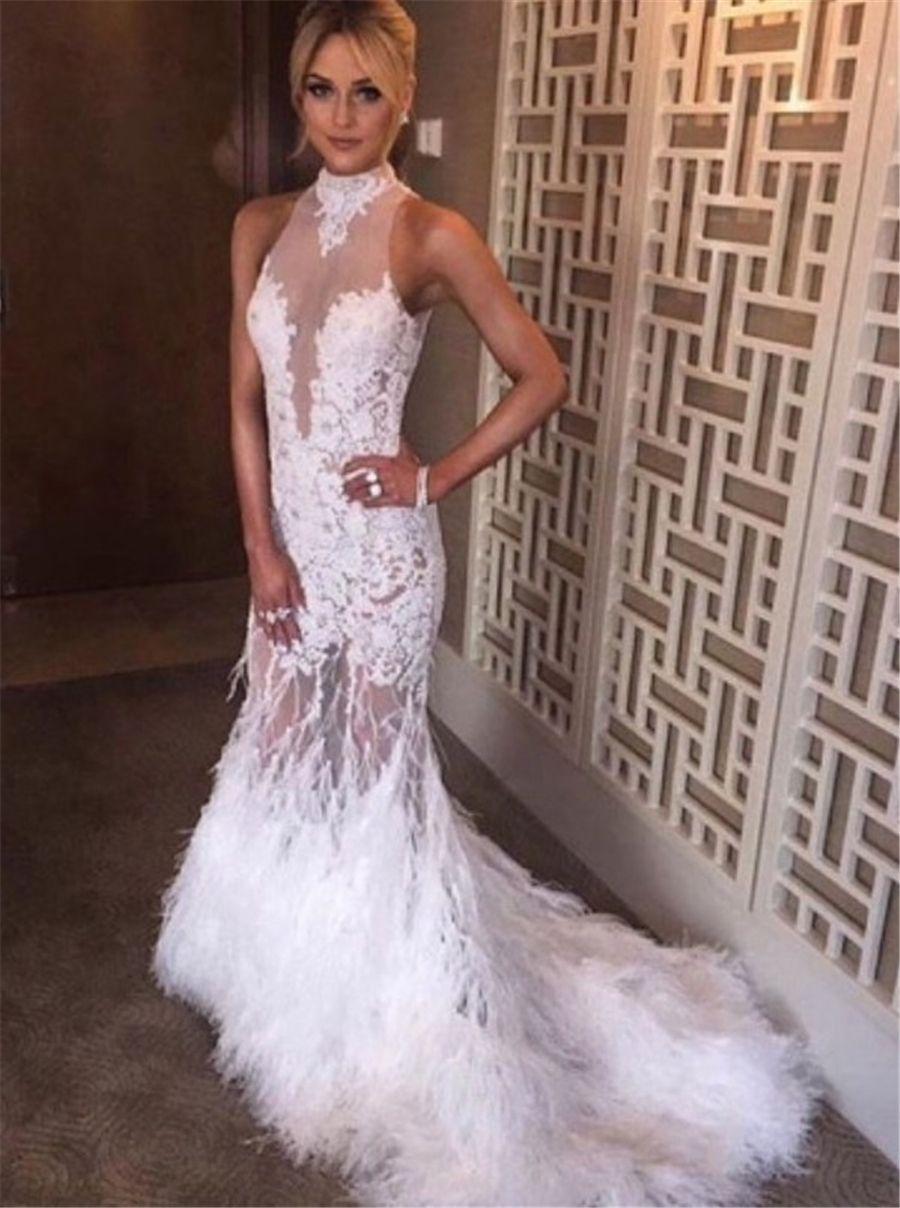 Sereia Halter Neck Tribunal Trem Open Back Branco Tulle Prom Dress com apliques de penas de avestruz Sexy vestido de noite vestidos de festa
