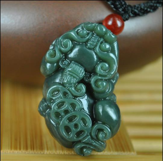 Natural Genuine Hetian jade jade pendant Pendant with the brave men and women money gift Necklace