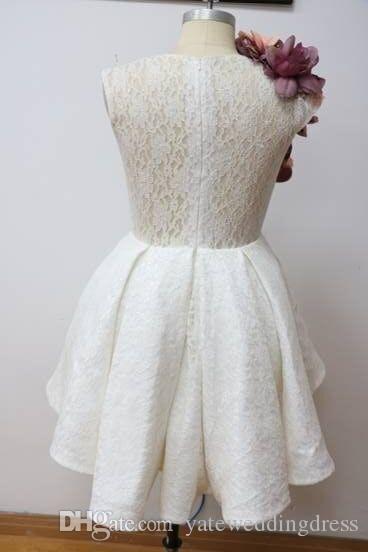Sweety White Homecoming Suknie Z Ręcznie Made Flowers Jewel Prom Dresses Powrót Zamek błyskawiczny z koronkową aplikacją Krótki zwyczaj wykonany formalna suknia party
