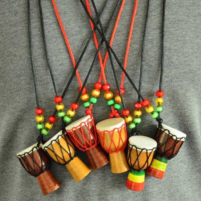 Pendenti africani della catena del maglione dei pendenti di Keychains dei pendenti del tamburo africano della collana dello strumento musicale di legno di Djembe SPEDIZIONE GRATUITA