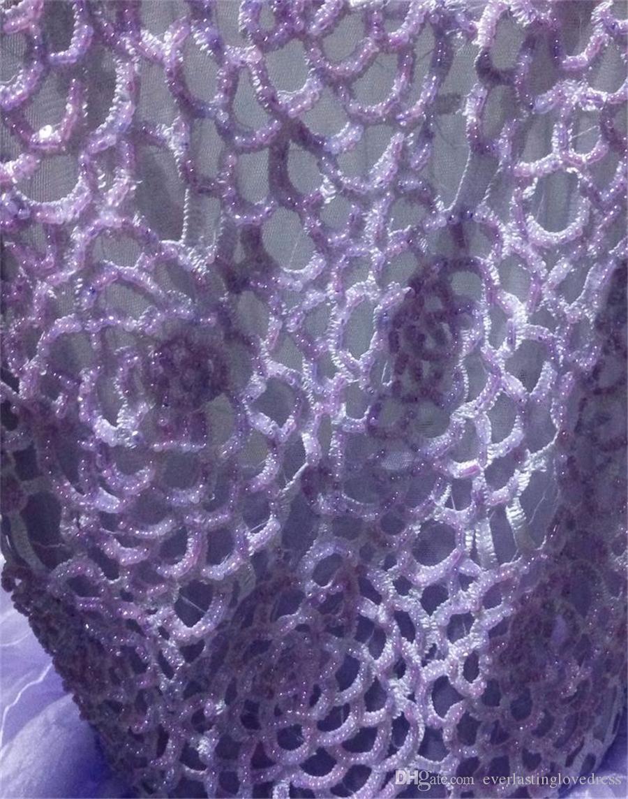 Klassische A-Linie Brautkleider Neckholder Rückenfreies Sicke Top Organza Rock Cascading Rüschen Lila Brautkleid Kleid