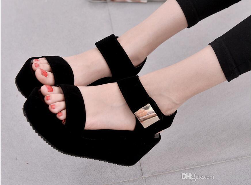 4d8e1b90ba6e 2019 New Women Wedges Sandals Women S Platform Sandals Fashion Summer Shoes  Women Casual Shoes B621 Jelly Sandals Platform Sandals From Xiaoshi888