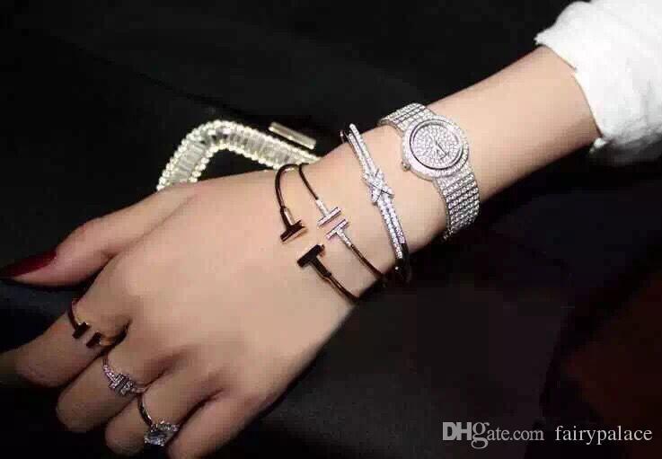 2017 Zircon cubique deux lettres T Forme Bracelets Conception En Cuivre Plaqué Or 18K Bracelet Bracelet Manchette Bouton De Manchette Double T Bracelet Bracelet Saint-Valentin