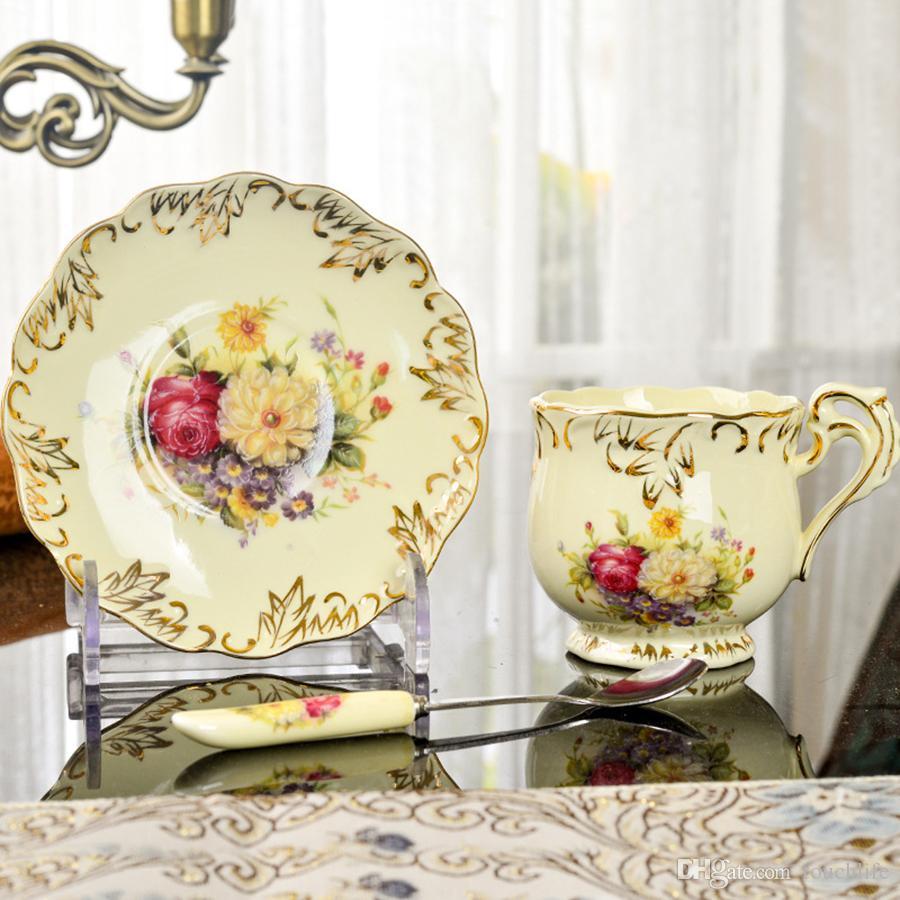 Zarte elegante Keramik Teetasse / Kaffeetasse Set Nachmittagsteetasse Set mit Wurst und Löffel