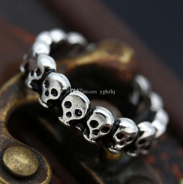 Anello antico del cranio punk degli uomini antichi del Maya, anello d'acciaio di titanio retro esagerato, trasporto libero