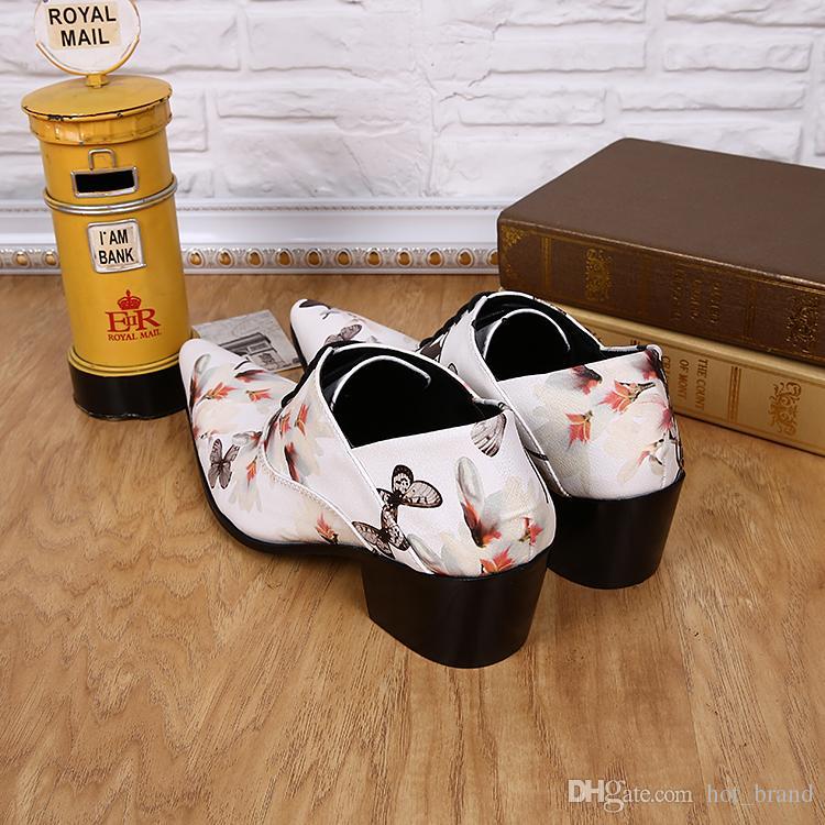 Exclusif Blanc Chaussures En Cuir Véritable Rural Oxfords Papillon Imprimer Brisk À Lacets Chaussures Hommes Chaussures De Mariage Partie Britannique Nouvelle Marque Homme