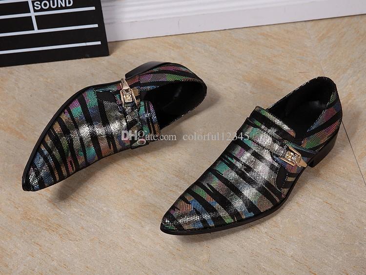 Pointy Toe Padrão De Cobra Sapato Masculino Fivela Sapatos De Couro Dos Homens De Negócios Inglaterra Estilo Colorido Listrado Vestido De Casamento Sapatos