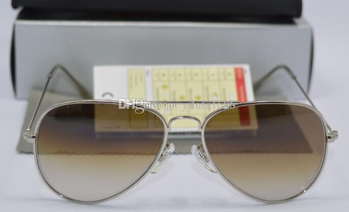 Compre Designer Clássico Piloto Gradiente Óculos De Sol Para O Homem Mulher  De Metal Óculos De Sol Óculos De Ouro Luz Marrom 58mm Lentes De Vidro Com  Caixa ... 8cb9db07bf