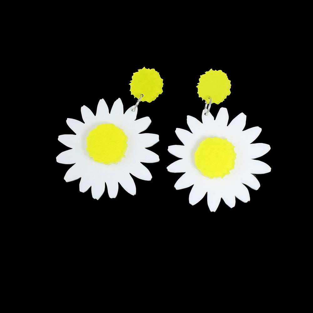 2018 New White Yellow Flower Party Long Drop Small Daisy Earrings