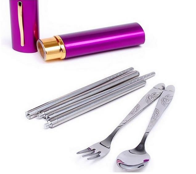 Caldo!!! Stoviglie da viaggio portatili Utensili da tre pezzi in acciaio inossidabile bacchette, forchette e cucchiaio Stoviglie a forma di penna Stoviglie da campeggio