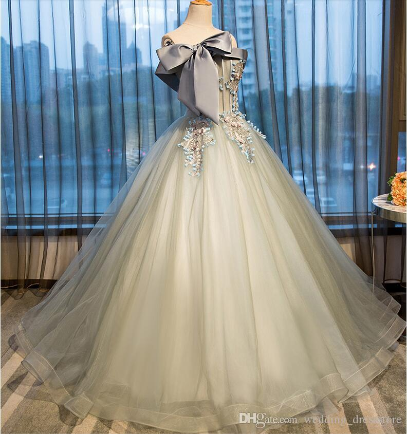 Fast Shipping Appliques Lace Ball Gown Evening Dresses Sexy Boat neck Sleeveless Graduation Party Gowns Princess Long Prom Dress 2017