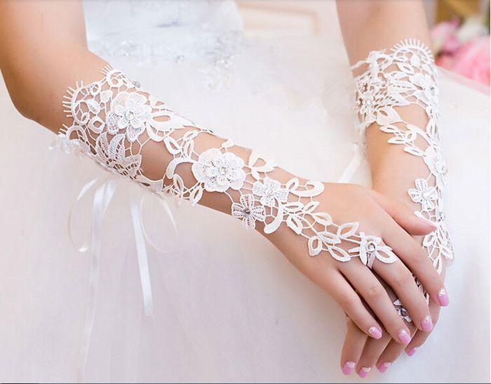 Brand New Brauthandschuhe mit Lace Up Fashion Fingerlose Hochzeit Handschuhe für Hochzeitskleid Elegant White / Ivory Bridal Accessories
