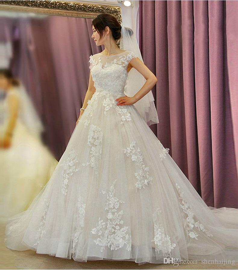 The Bride Wedding Dress Small Fish Tail Short Sleeved Retro Marriage ...