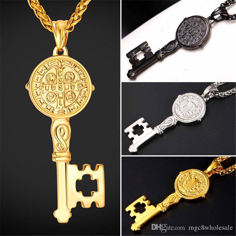 68902283adab Compre U7 Nueva Medalla De San Benito Llavero Colgante Collar De Encantos  Joyería Cruzada De Acero Inoxidable   Oro   Arma Negro Cadenas Plateadas  Para ...