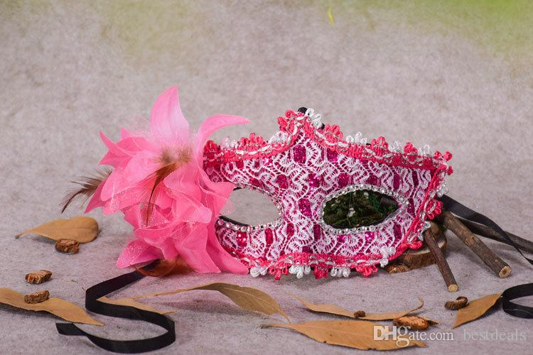 Seksi Masquerade Maskeleri Siyah / Beyaz Dantel Gelin Cadılar Bayramı Maskeleri Venedik Yarım Yüz Maskesi Noel Cosplay Parti için Göz Maskeleri CPA917