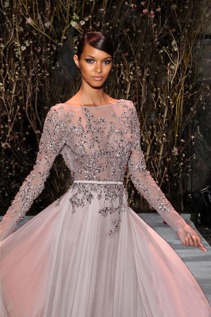 Elie Saab Perlen rückenfreie Abendkleider Bateau-Ausschnitt mit langen Ärmeln Abendkleid Sweep Zug Chiffon Abendkleider