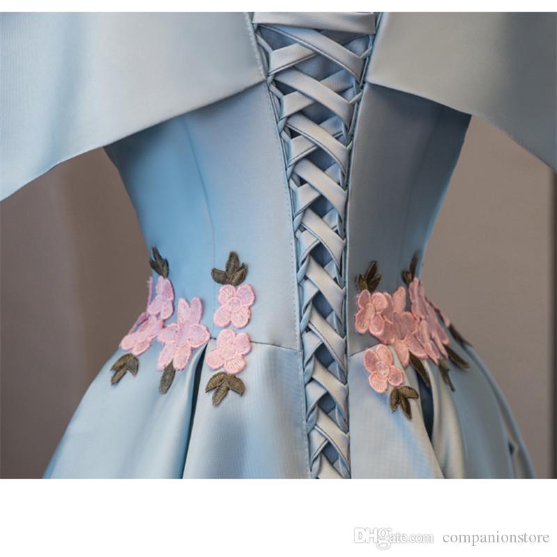 En stock Vraiment photo Sky Blue Boat Neck manches courtes Robe De Formatura Satin Avec Perles Fleurs Robe De Bal 2017 Robe De Bal